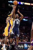 27 March 2007: Guard Junior Harrington of the Memphis Grizzlies shoots the ball while being guarded by Smush Parker of the Los Angeles Lakers during the first half of the Grizzlies 88-86 victory over the Lakers at the STAPLES Center in Los Angeles, CA.