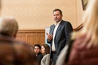 """27 FEB 2019,  BIRKENWERDER/GERMANY:<br />  Lars Klingbeil, MdB, SPD Generalsekretaer, waehrend einer Diskussionsveranstaltung zum Thema """"Grundrente und Bürgergeld: neue Antworten der SPD"""" der SPD Hohen Neuendorf und der SPD Birkenwerder, Rathaus Birkenwerder<br /> IMAGE: 20190227-02-082"""
