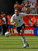 Photo: Glyn Thomas.<br />England v Paraguay. Group B, FIFA World Cup 2006. 10/06/2006.<br /> England's Frank Lampard.