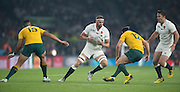 Twickenham, Great Britain,    Tom WOODS, looking for the gap during the Pool A game, England vs Australia.  2015 Rugby World Cup, Venue, RFU Stadium, Twickenham, Surrey, ENGLAND.  Saturday  03/10/2015<br /> Mandatory Credit; Peter Spurrier/Intersport-images]