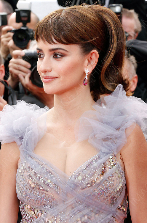 14.MAY.2011. CANNES<br /> <br /> PENELOPE CRUZ ON THE RED CARPET FOR THE PIRATES OF THE CARIBBEAN: ON THE STRANGER TIDES PREMIERE AT THE 64TH CANNES INTERNATIONAL FILM FESTIVAL 2011 IN CANNES, FRANCE<br /> <br /> BYLINE: EDBIMAGEARCHIVE.COM<br /> <br /> *THIS IMAGE IS STRICTLY FOR UK NEWSPAPERS AND MAGAZINES ONLY*<br /> *FOR WORLD WIDE SALES AND WEB USE PLEASE CONTACT EDBIMAGEARCHIVE - 0208 954 5968*