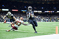 NEW ORLEANS, LA - NOVEMBER 19:  Alvin Kamara #41 of the New Orleans Saints rushes for a touchdown past the outstretched arm of DeAngelo Hall #23 of the Washington Redskins at Mercedes-Benz Superdome on November 19, 2017 in New Orleans, Louisiana.  Saints defeated the Redskins 34-31.  (Photo by Wesley Hitt/Getty Images) *** Local Caption *** Alvin Kamara; DeAngelo Hall