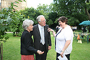 Mr. and Mrs.  Peter Macklin and Ellen Flyn, Charity Garden Party  to raise money for The Passage. A London charity which provides care for homeless and vulnerable people. College Garden, Westminster Abbey<br />Thursday 19 July 2007  -DO NOT ARCHIVE-© Copyright Photograph by Dafydd Jones. 248 Clapham Rd. London SW9 0PZ. Tel 0207 820 0771. www.dafjones.com.