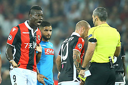 August 22, 2017 - Nice, France - Mario Balotelli of Nice reclaiming with the referee Skomina  during the UEFA Champions League Qualifying Play-Offs round, second leg match, between OGC Nice and SSC Napoli at Allianz Riviera Stadium on August 22, 2017 in Nice, France. (Credit Image: © Matteo Ciambelli/NurPhoto via ZUMA Press)