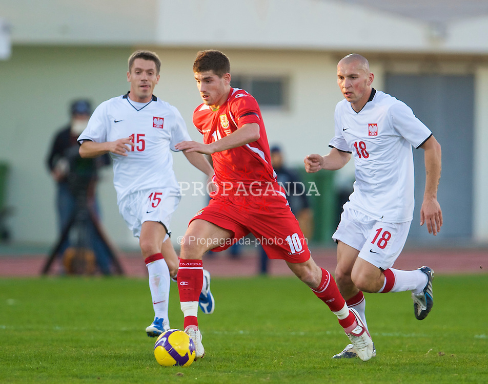 VILA REAL DE SANTO ANTONIO, PORTUGAL - Wednesday, February 11, 2009: Wales' Ched Evans in action against Poland during the International Friendly match at the Vila Real de Santo Antonio Sports Complex. (Mandatory credit: David Rawcliffe/Propaganda)