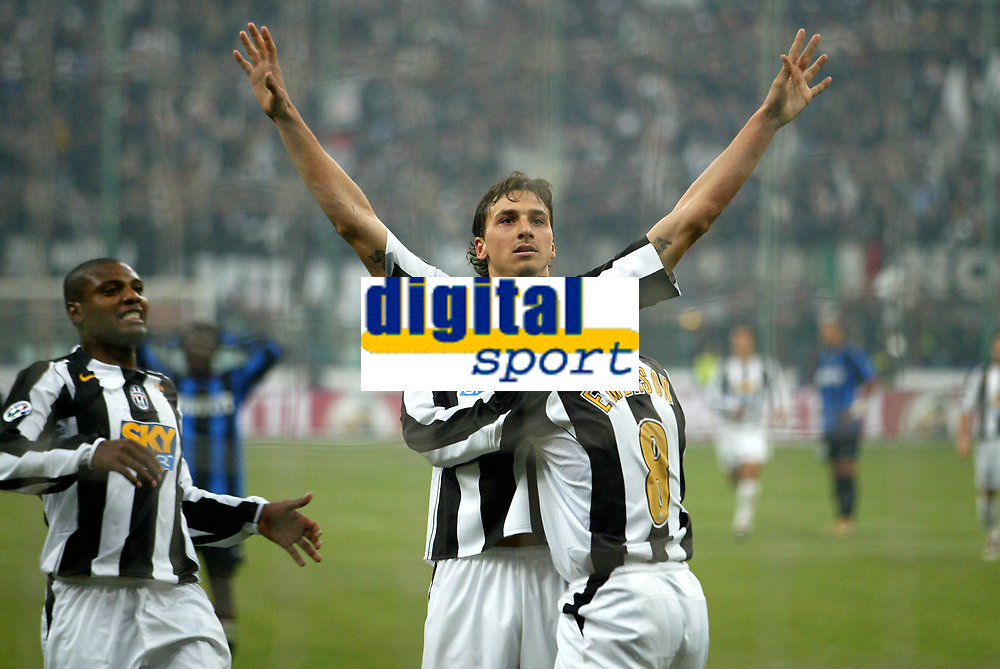 Milano 28-11-04<br /> <br /> Campionato di calcio Serie A 2004-05<br /> <br /> Inter Juventus<br /> <br /> nella  foto  Ibrahimovic esulta dopo il suo gol con Emerson<br /> <br /> Zlatan Ibrahimovic and Emerson Ferreira celebrates goal of 0-2 for Juventus<br /> <br /> Foto Snapshot / Graffiti