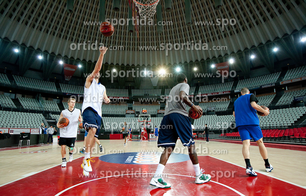 Players of Olimpija during practice session of basketball club KK Union Olimpija day before Euroleague Top 16 Round Match vs Lottomatica Roma, on January 19, 2011 in Arena PalaLottomatica, Rome, Italy. (Photo By Vid Ponikvar / Sportida.com)