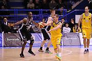 DESCRIZIONE : Porto San Giorgio Lega A 2013-14 Sutor Montegranaro Granarolo Bologna<br /> GIOCATORE : Dimitri Lauwers<br /> CATEGORIA : passaggio penetrazione<br /> SQUADRA : Sutor Montegranaro<br /> EVENTO : Campionato Lega A 2013-2014<br /> GARA : Sutor Montegranaro Granarolo Bologna<br /> DATA : 16/02/2014<br /> SPORT : Pallacanestro <br /> AUTORE : Agenzia Ciamillo-Castoria/C.De Massis<br /> Galleria : Lega Basket A 2013-2014  <br /> Fotonotizia : Porto San Giorgio Lega A 2013-14 Sutor Montegranaro Granarolo Bologna<br /> Predefinita :
