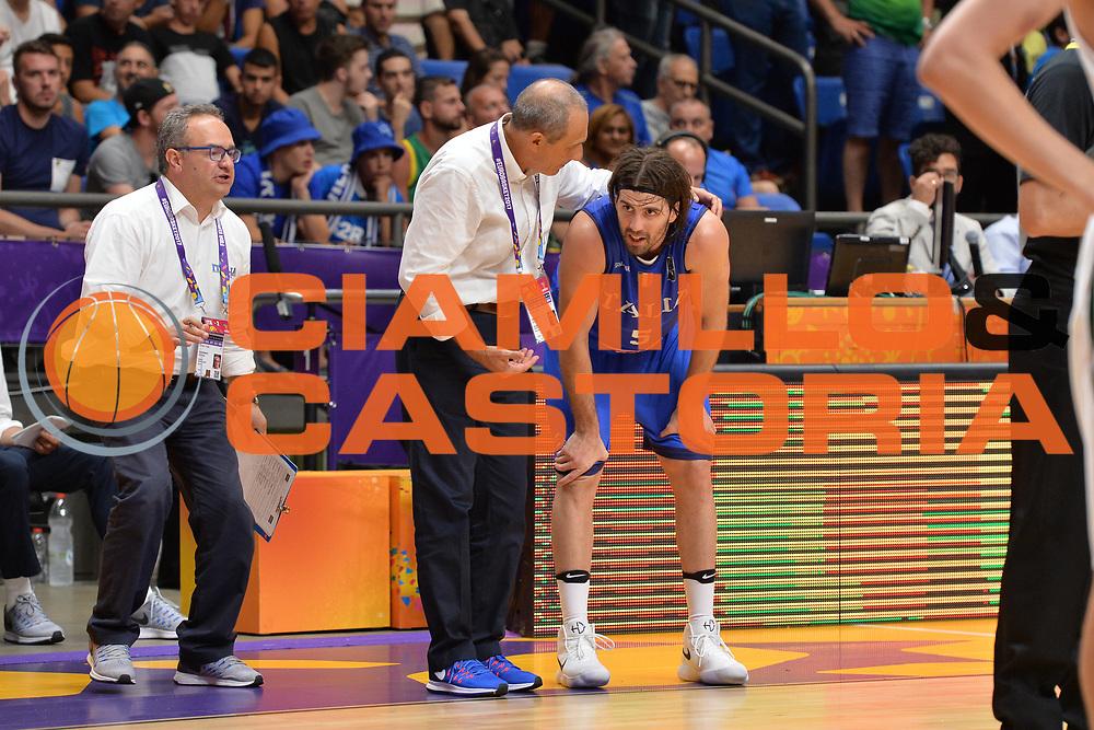 Ettore Messina, Ariel Filloy<br /> Nazionale Italiana Maschile Senior<br /> Eurobasket 2017 - Group Phase<br /> Lituania - Italia<br /> FIP 2017<br /> Tel Aviv, 03/09/2017<br /> Foto Ciamillo - Castoria/ M.Longo