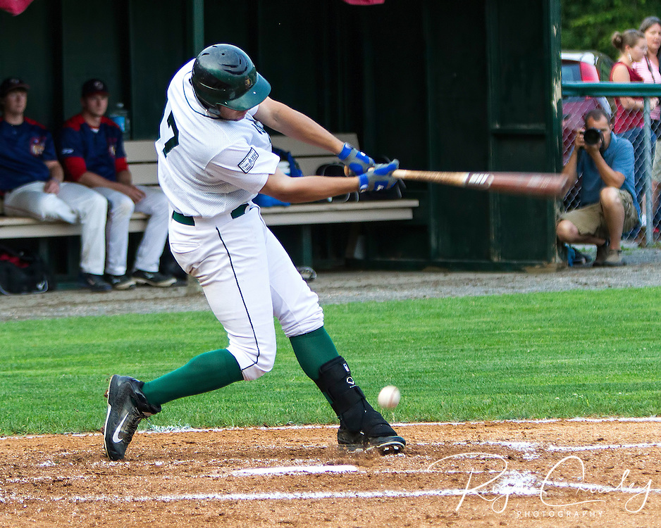 Vermont Mountaineers defeat the Valley Blue Sox in Montpelier 4-3.