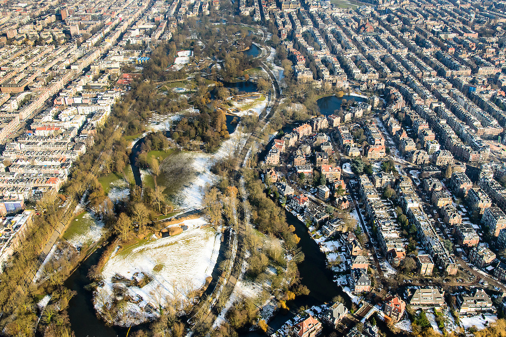 Nederland, Noord-Holland, Amsterdam, 28-10-2016; Vondelpark in de winter met Willemspark (of de Willemsparkbuurt).<br /> Amsterdam South next to Vondel park.<br /> <br /> luchtfoto (toeslag op standard tarieven);<br /> aerial photo (additional fee required);<br /> copyright foto/photo Siebe Swart