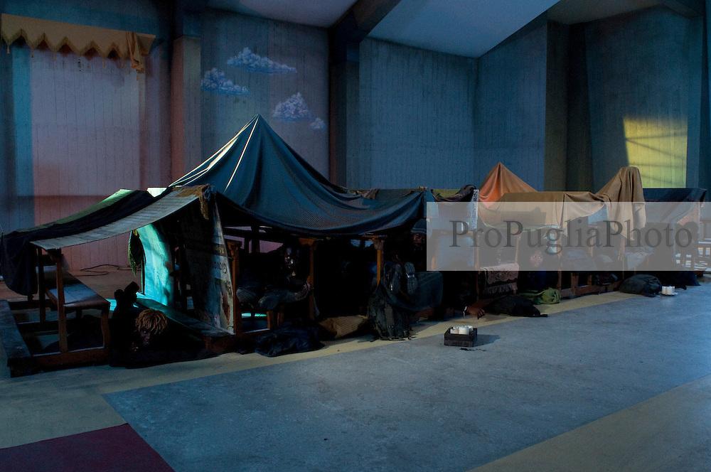 IL VILLAGGIO DI CARTONE.REGIA ERMANNO OLMI.BARI 18 NOVEMBRE 2010.