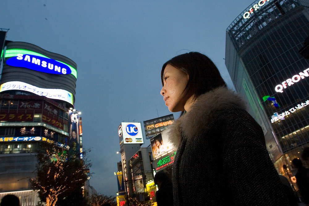 Satomi, 32, a web designer from Tokyo, went to the sex volunteers to lose her virginity. Satomi was in a relationship with a musician for seven years but could not have intercourse with her boyfriend. The couple broke up due to the sexual tensions. Satomi thought there was something wrong with her, so sought counselling with Kim and lost her virginity to a volunteer..Satomi, 32, a web designer from Tokyo, went to the sex volunteers to lose her virginity. Satomi was in a relationship with a musician for seven years but could not have intercourse with her boyfriend. The couple broke up due to the sexual tensions. Satomi thought there was something wrong with her, so sought counselling with Kim and lost her virginity to a volunteer.