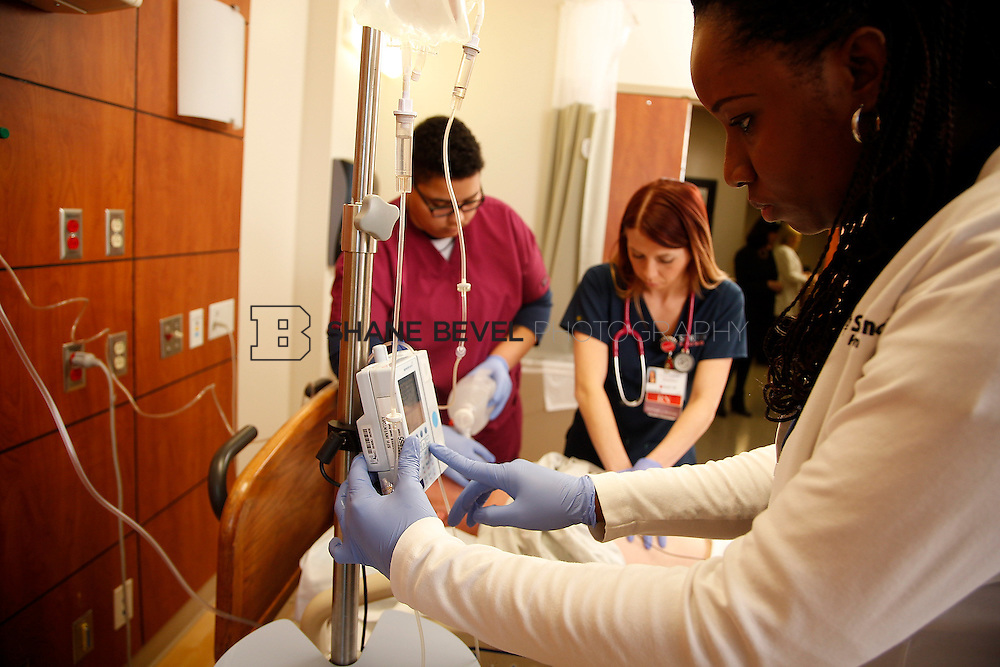 1/28/16 2:53:50 PM --  Stock photography of nurses and techs at Saint Francis Hospital South. <br /> <br /> Photo by Shane Bevel