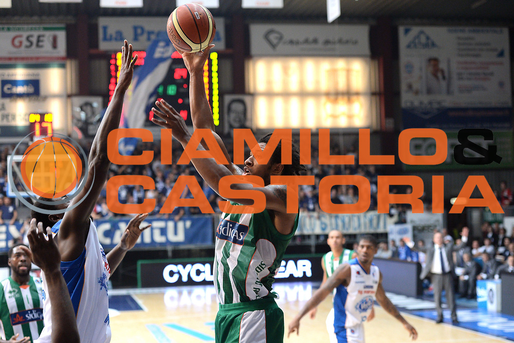 DESCRIZIONE : Cant&ugrave; Lega A 2014-15 Acqua Vitasnella Cant&ugrave; vs Sidiga Avellino<br /> GIOCATORE : Harper Justin<br /> CATEGORIA : Tiro<br /> SQUADRA : Sidigas Avellino<br /> EVENTO : Campionato Lega A 2014-2015<br /> GARA : Acqua Vitasnella Cant&ugrave; vs Sidigas Avellino<br /> DATA : 19/10/2014<br /> SPORT : Pallacanestro <br /> AUTORE : Agenzia Ciamillo-Castoria/I.Mancini<br /> Galleria : Lega Basket A 2014-2015<br /> Fotonotizia : Cant&ugrave; Lega A 2014-2015 Acqua Vitasnella Cant&ugrave; vs Sidigas Avellino<br /> Predefinita :
