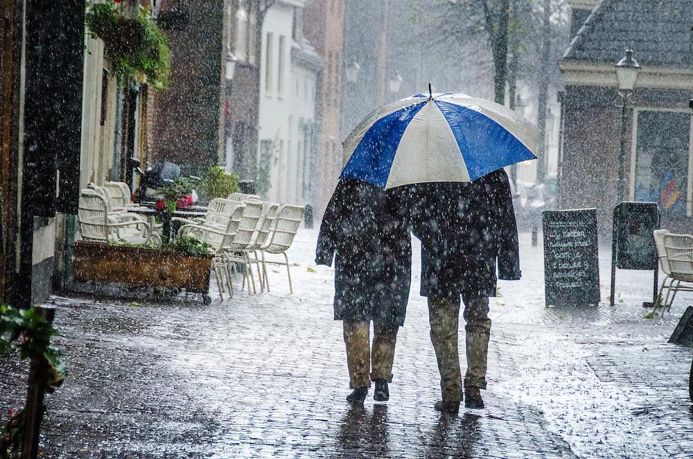 Nederland, Amersfoort, 3 nov  2013<br /> Hevige regenbuien en hagelbuien op een herfstige zondagmiddag in Amersfoort.<br /> Foto(c): Michiel Wijnbergh