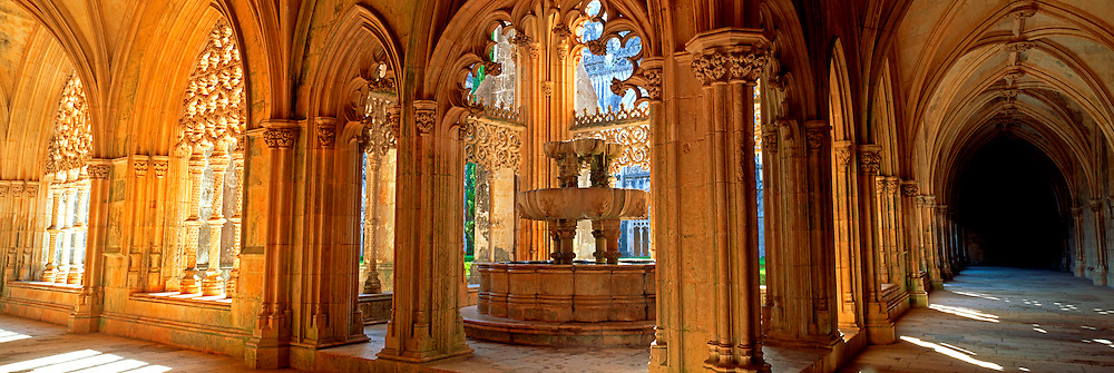 PORTUGAL, ABBEY OF BATALHA built in 1388 by Joao I, the Royal Cloister is a masterpiece of 'Manueline' style architecture with marine motifs