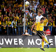 27-05-2007: Voetbal: VVV Venlo - RKC Waalwijk: Venlo<br /> RKC Waalwijk is gedegradeerd naar de Jupiler League.<br /> Tim Bakens wint het duel van Leon Kantelberg<br /> foto : Geert van Erven