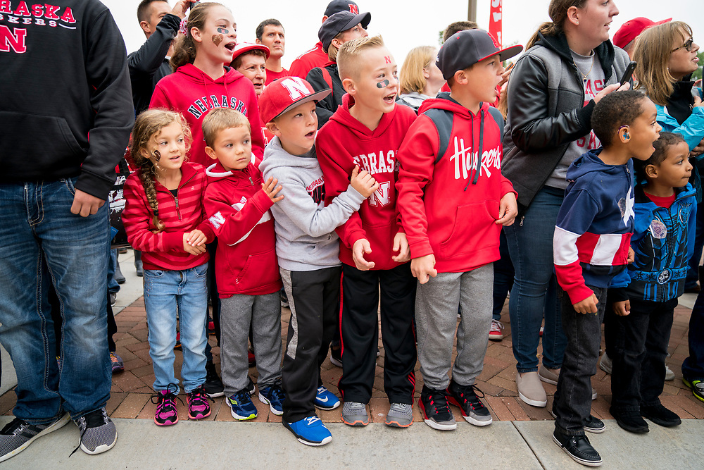 Young Husker fans wait for the Nebraska football team prior to Nebraska's game against Ohio State at Memorial Stadium in Lincoln, Neb. on Oct. 14, 2017. Photo by Aaron Babcock, Hail Varsity