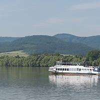 Passenger boat replaces train service between Nagymaros-Zebegeny 2020