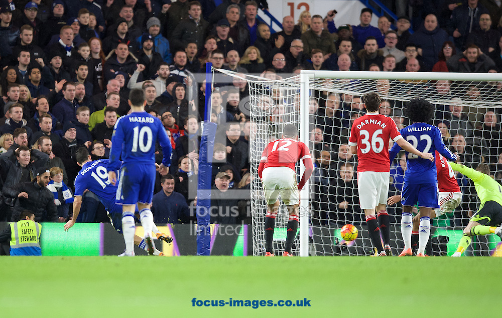 Diego Costa of Chelsea (19)scores the equaliser during the Barclays Premier League match at Stamford Bridge, London<br /> Picture by Alan Stanford/Focus Images Ltd +44 7915 056117<br /> 07/02/2016