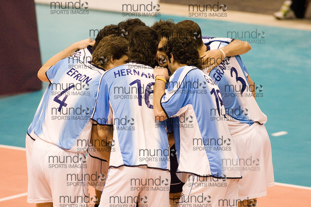 Argentina during a three games to none defeat by Canada in the 2006 Anton Furlani Volleyball Cup, held in Ottawa, Canada. .Anton Furlani Cup.Copyright Sean Burges / Mundo Sport Images, 2006