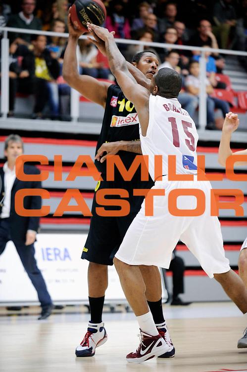 DESCRIZIONE : Championnat de France Pro B a Lille<br /> GIOCATORE : Diaw Boris <br /> SQUADRA : Bordeaux<br /> EVENTO : Pro B 3 journee<br /> GARA :  Lille Bordeaux<br /> DATA : 21/10/2011<br /> CATEGORIA : Basketball France Homme Pro B<br /> SPORT : Basketball<br /> AUTORE : JF Molliere<br /> Galleria : France Basket 2011-2012 Action<br /> Fotonotizia : Championnat de France Basket Pro B Lille Bordeaux Journee 3<br /> Predefinita :