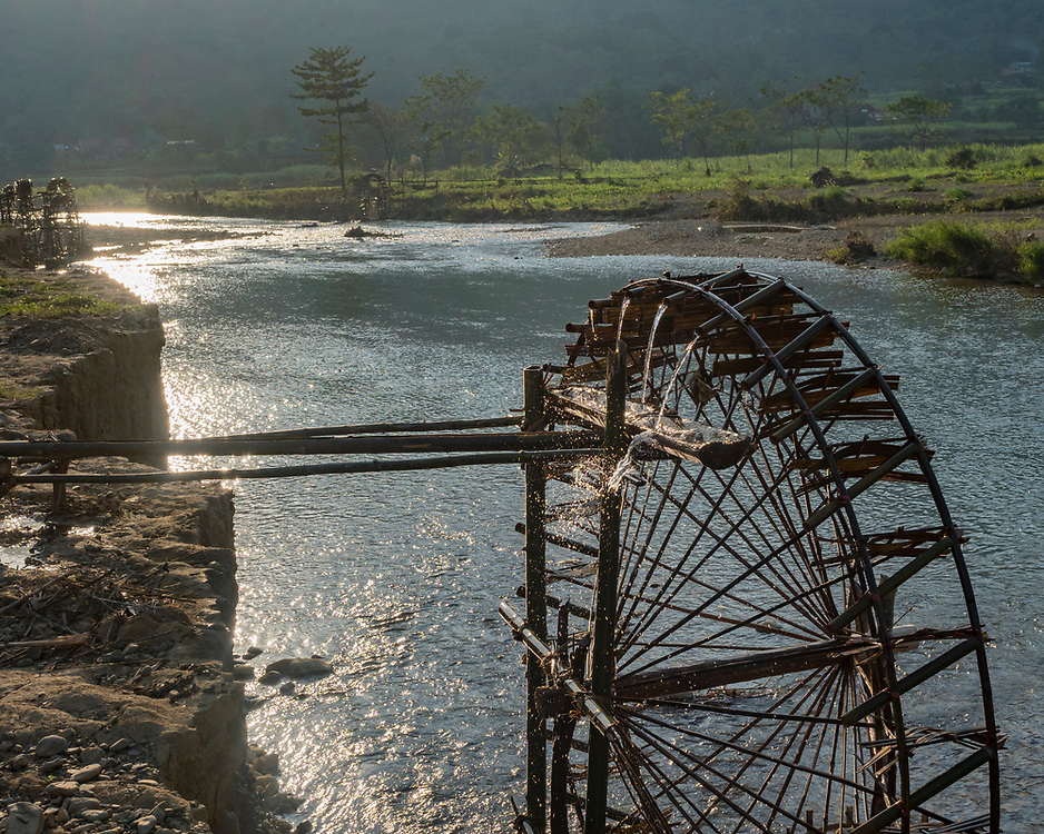 Asia, Vietnam, Pu Luong Nature Reserve, Water wheel on the Cham River
