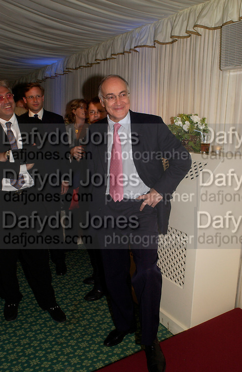 Michael Howard, Conservative Party Chairmen's Summer reception, House of Commons Terace, 7 July 2004. SUPPLIED FOR ONE-TIME USE ONLY-DO NOT ARCHIVE. © Copyright Photograph by Dafydd Jones 66 Stockwell Park Rd. London SW9 0DA Tel 020 7733 0108 www.dafjones.com