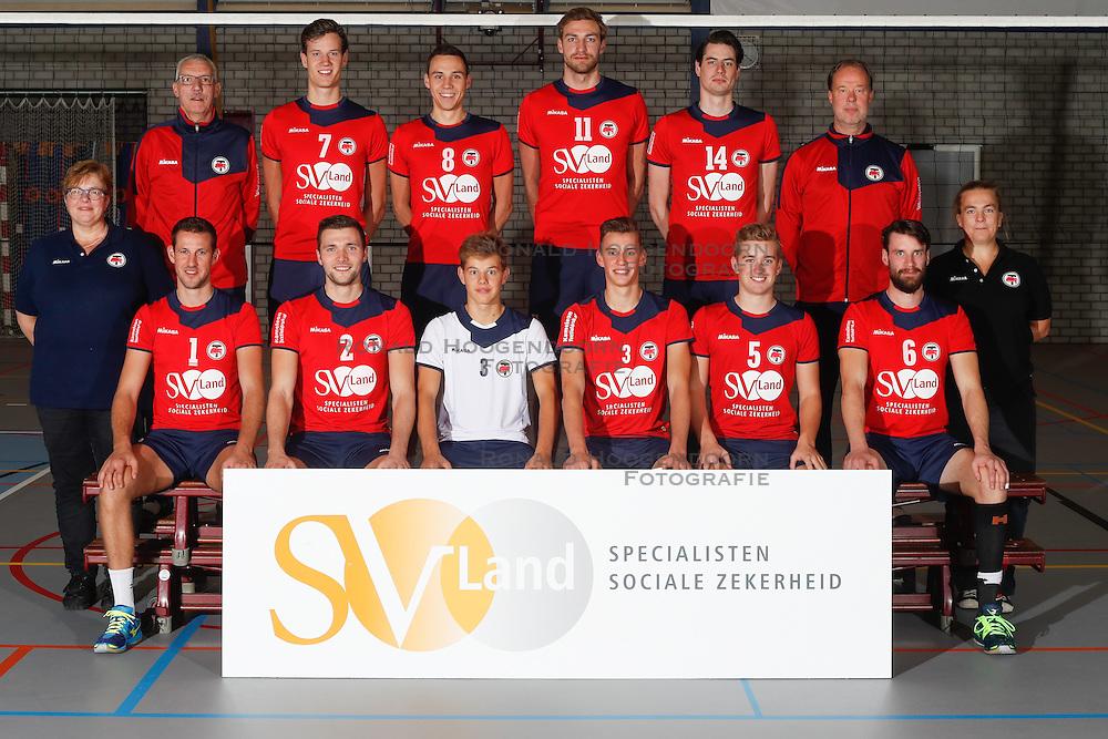 20160915 NED: Selectie SV Land Taurus 2016 - 2017, Houten<br />Bovenste rij: (L-R) Vincent Henskens (assistant coach), Dylan Boerefijn (7), Hans van Westrienen (8) Jelle van Jaarsveld (11) en Thijs Bouman (14) Erik Gras (hoofdcoach) <br /> Onderste rij (L-R)  Marian Groot Koerkamp (datavolley), Bert Sturkenboom (1), Tom van den Boogaard (2), Mats Bleeker (4), Martijn de Haan (3), Flor Polinder (5). Jorad de Vries (6), Josien Leurdijk (teammanager)<br />©2016-FotoHoogendoorn.nl / Pim Waslander