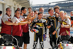 28.08.2010, Motor Speedway, Indianapolis, USA, MotoGP, Red Bull Indianapolis Grand Prix, im Bild H. Faubel and Team, EXPA Pictures © 2010, PhotoCredit: EXPA/ InsideFoto/ Semedia *** ATTENTION *** FOR AUSTRIA AND SLOVENIA USE ONLY!