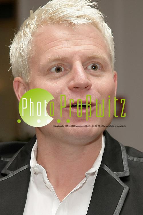 Mannheim. 09.12.2011. Steigenberger Hotel. Interview mit Verstehen Sie Spafl Moderator Guido Cantz<br /> <br /> <br /> Bild: Markus Proflwitz 09DEC11 / masterpress /