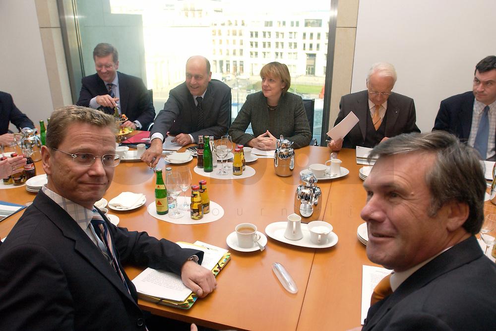 12 NOV 2003, BERLIN/GERMANY:<br /> Guido Westerwelle (L), FDP Bundesvorsitzender, Wolfgang Gerhardt (R), FDP Fraktionsvorsitzender, und Christian Wulff, CDU, Ministerpraesident Niedersachsen, Laurenz Meyer, CDU Generalsekretaer, Angela Merkel, CDU Bundesvorsitzende, Edmund Stoiber, CSU, Ministerpraesidnet Bayern, (Hinten, v.L.n.R.) vor Beginn eines Spitzentreffens von Politiker der CDU/CSU und der FDP, axica Kongress- und Tagungszentrum<br /> IMAGE: 20031112-01-007<br /> KEYWORDS: Opposition, Spitzengespraech,