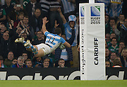 "Cardiff, Great Britain, Juan IMHOFF, ""swallow dives"" in for a theatrical try in the second half of the 3rd Quarter Final   Ireland vs Argentina.  2015 Rugby World Cup,  Venue, Millennium Stadium, Cardiff. Wales   Sunday  18/10/2015.   [Mandatory Credit; Peter Spurrier/Intersport-images]"