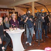 """NLD/Bloemendaal/20151124 - Boekpresentatie """"Buch"""" over het leven van Menno Buch, aanwezige pers"""