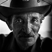 Brasile, Amazzonia, garimpo de Juma. Le miniere a cielo aperto del garimpo de Juma, dove la vita dei minatori scorre tra pericolo per un lavoro al limite e deforestazione incontrollata. Aspettando di trovare l'oro che cambi la loro vita.