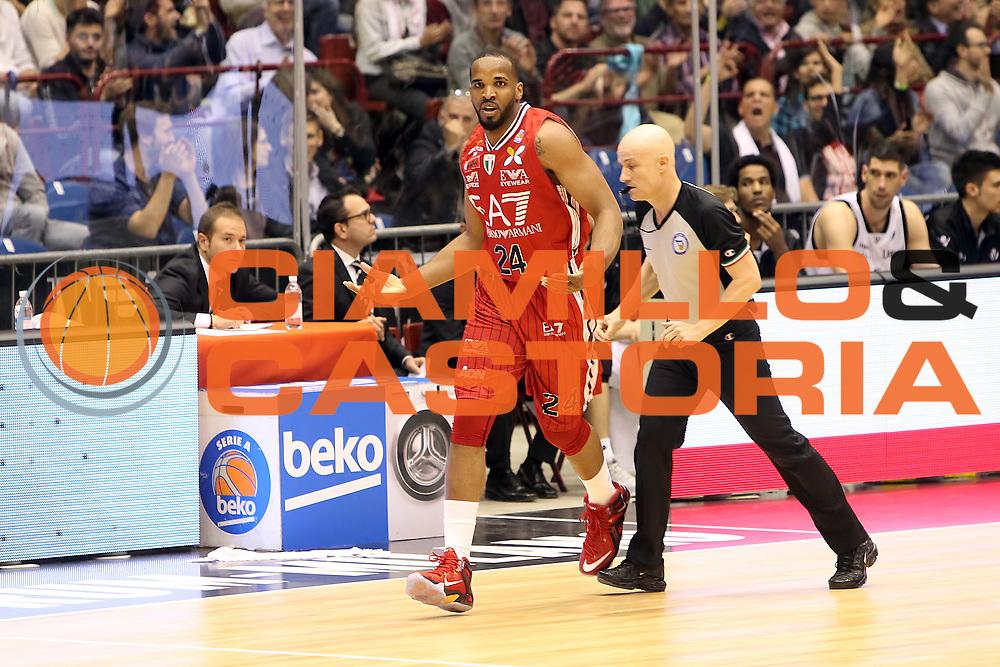 DESCRIZIONE: Milano Lega A 2014-15 <br /> EA7 Emporio Armani Granarolo Bologna<br /> GIOCATORE: Samardo Samuels<br /> CATEGORIA: controcampo - esultanza<br /> SQUADRA: EA7 Rmporio Armani<br /> EVENTO: Play-off quarti di finale gara 2 2014-2015<br /> GARA: EA7 Emporio Armani Granarolo Bologna<br /> DATA: 20/05/2015<br /> SPORT: Pallacanestro<br /> AUTORE: Agenzia Ciamillo-Castoria/A. Ossola<br /> Galleria: Lega Basket A 2014-2015<br /> Fotonotizia: Milano Lega A 2014-15 <br /> EA7 Emporio Armani Granarolo Bologna