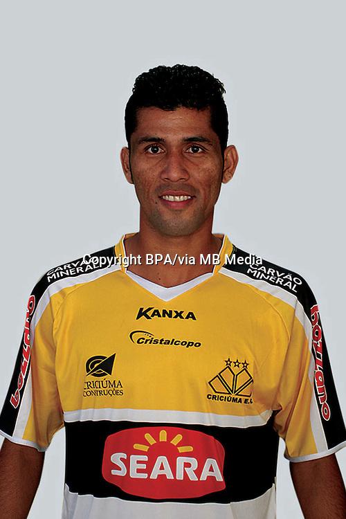 MARLON FARIAS CASTELO BRANCO  ( Criciuma Esporte Clube )
