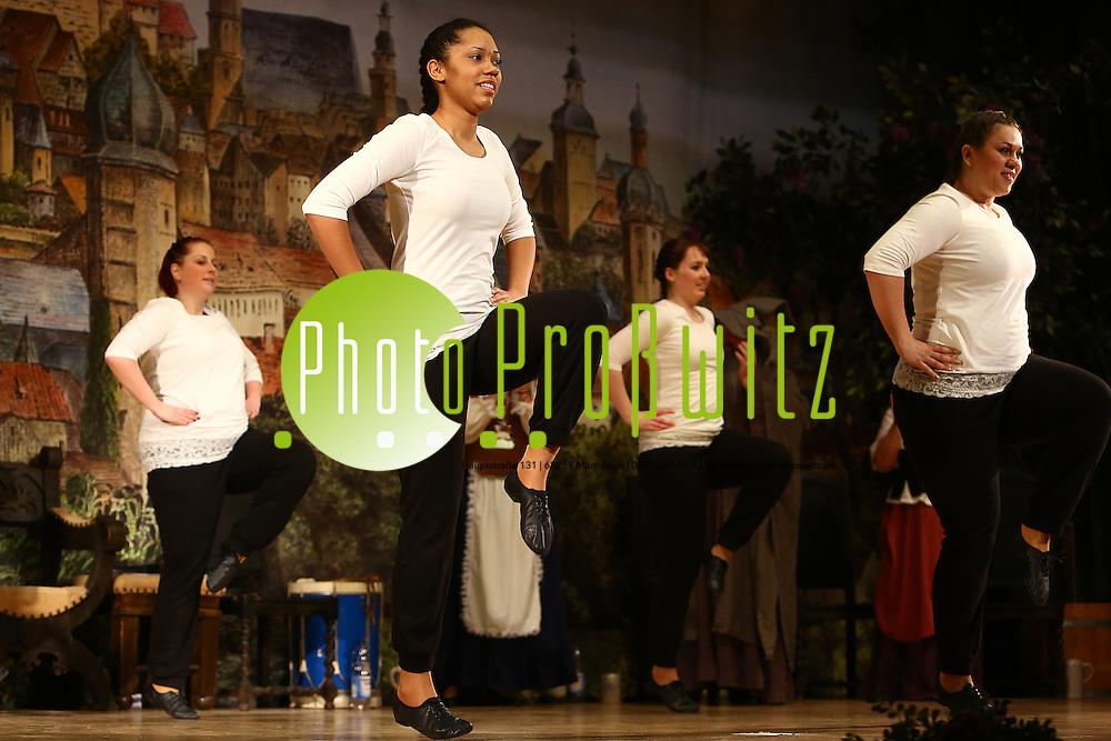 Mannheim 23.01.16 Feudenheim. Kulturhalle. KG Lallehaag Prunksitzung 2016.<br /> -<br /> <br /> Bild: Markus Prosswitz 23JAN16 / masterpress (Bild ist honorarpflichtig - No Model Release!)