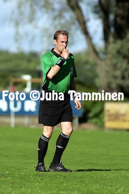 23.06.2004, Veritas Stadion, Turku, Finland..Veikkausliiga 2004 / Finnish League 2004.FC Inter Turku v AC Allianssi.Erotuomari Tony Asumaa.©Juha Tamminen.....ARK:k
