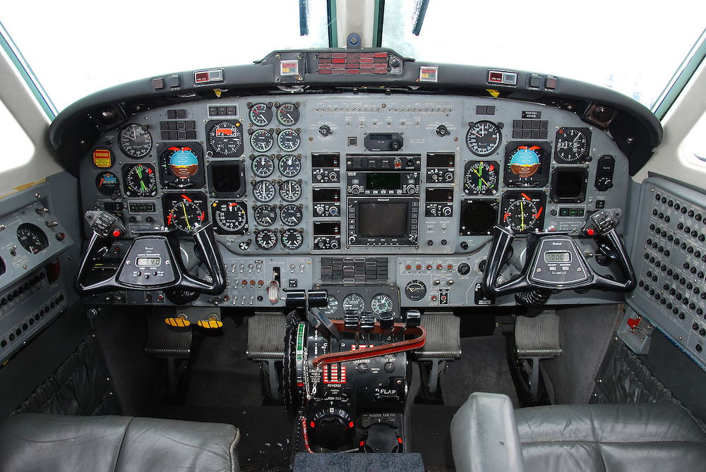 Beech King Air cockpit