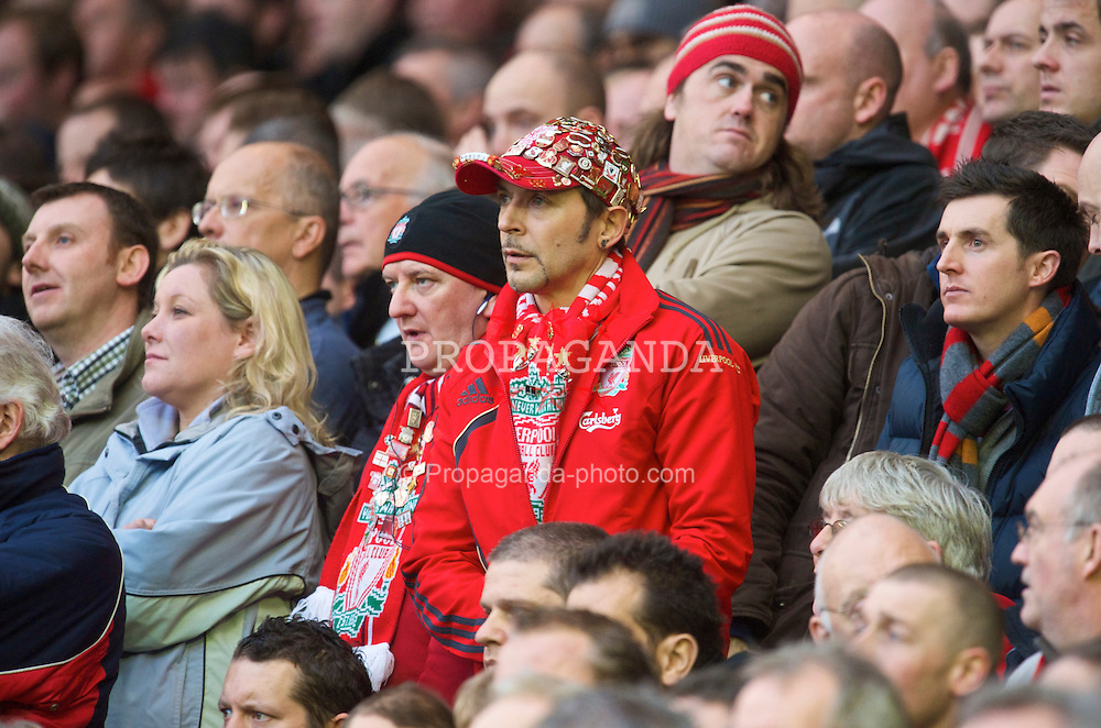 LIVERPOOL, ENGLAND - Saturday, November 21, 2009: A Liverpool supporter looks concerened as his side draw 2-2 with Manchester City during the Premiership match at Anfield. (Photo by David Rawcliffe/Propaganda)