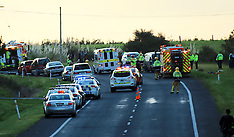 Auckland-Eleven injured in three car crash, Waimuku