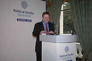 PHILIP STEPHENS. Association awards, 2005. Institute of Directors. Pall Mall. London. 29 November 2005. ONE TIME USE ONLY - DO NOT ARCHIVE  © Copyright Photograph by Dafydd Jones 66 Stockwell Park Rd. London SW9 0DA Tel 020 7733 0108 www.dafjones.com