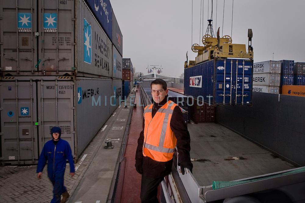 Marnix Vos, locatieoperator bij van Uden op de nieuwe overslag terminal in Alphen aan de Rijn. Bierbrouwer Heineken is momenteel hun enige klant.