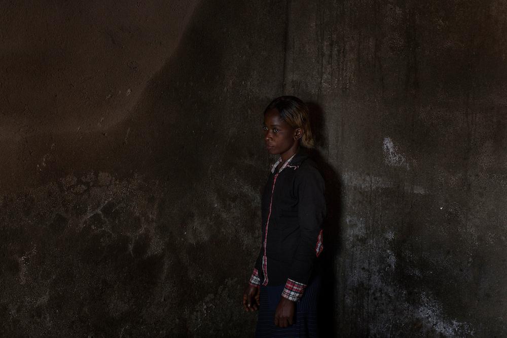 Bukavu, Congo<br /> <br /> Aziza Riziki, 14 &aring;r var sexslav &aring;t en ledare inom rebell gruppen RM, Raia Mutomboki, men lyckades fly.<br /> <br /> Photo: Niclas Hammarstr&ouml;m