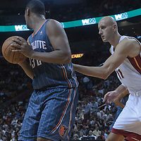 19 November 2010: Miami Heat's center #11 Zydrunas Ilgauskas defends on Charlotte Bobcats' power forward #32 Boris Diaw during the Miami Heat 95-87 victory over the Charlotte Bobcats at the AmericanAirlines Arena, Miami, Florida, USA.