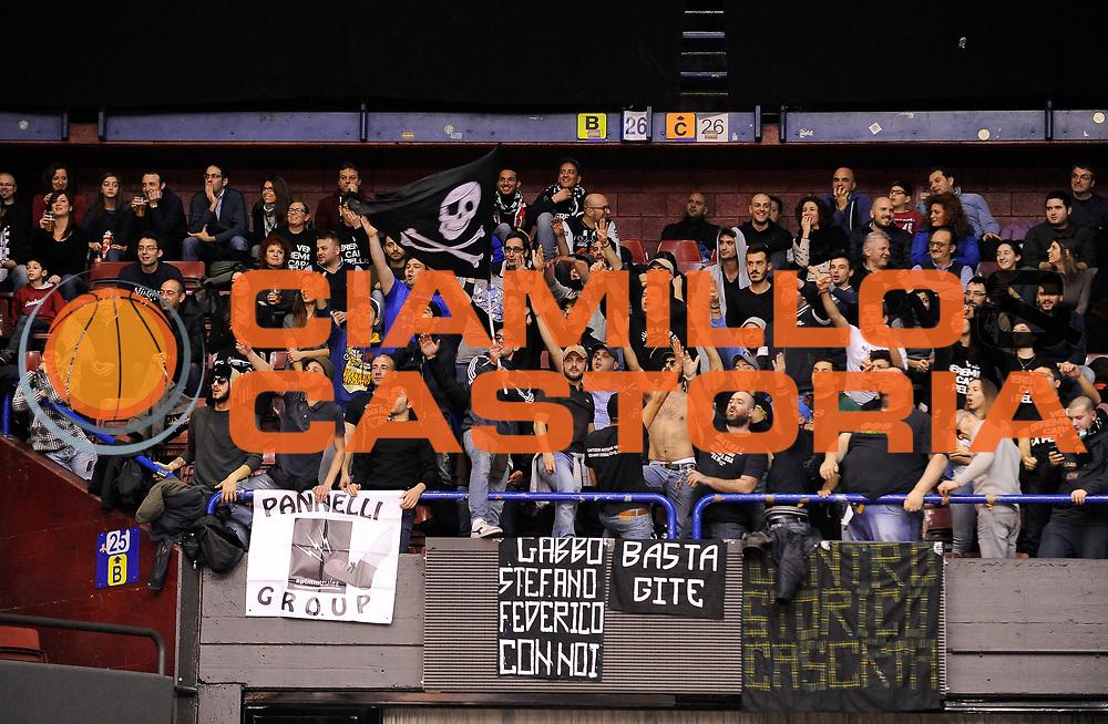 DESCRIZIONE : Milano Campionato Lega A 2013-14 EA7 Olimpia Armani Milano Pasta Reggia Caserta<br /> GIOCATORE : <br /> SQUADRA : Pasta Reggia Caserta<br /> EVENTO : Campionato Lega A 2013-14<br /> GARA: EA7 Olimpia Armani Milano Pasta Reggia Caserta<br /> CATEGORIA : Tifosi Supporters Ultras<br /> DATA : 02/02/2014<br /> SPORT : Pallacanestro<br /> AUTORE : Agenzia Ciamillo-Castoria/A.Giberti<br /> Galleria : Campionato Lega Basket A 2013-14<br /> Fotonotizia : EA7 Olimpia Armani Milano Pasta Reggia Caserta<br /> Predefinita :