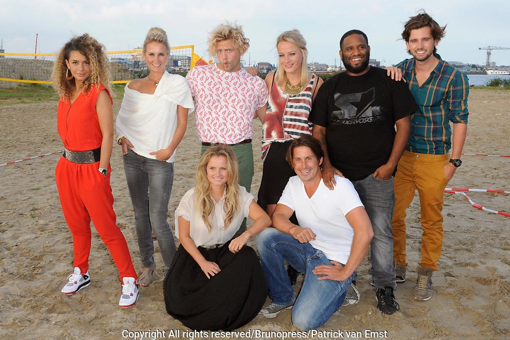 Presentatie Expeditie Robinson 2012 in Strand West, Amsterdam.<br /> <br /> Op de foto: