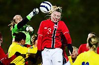 Fotball , 30. oktober 2013 , Privat kamp kvinner U23 , Norge- Sverige 1-0<br /> U23 Norway - Sweden<br /> Ina Gausdal , Norge<br /> Malin Reuterwall , Sverige